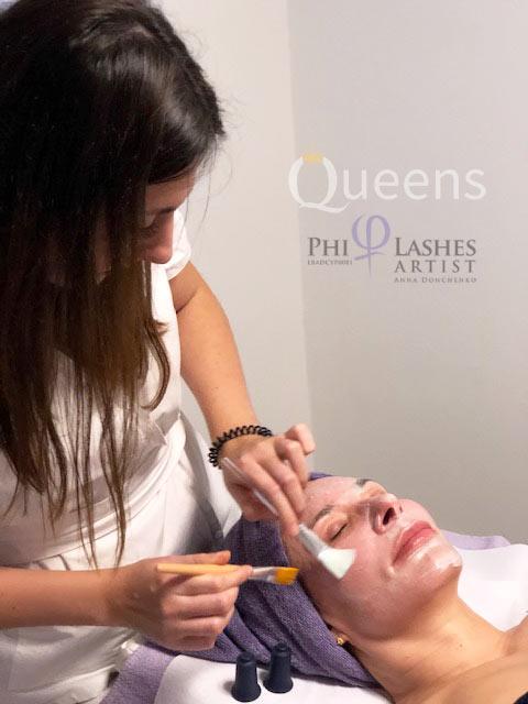 Kozmetičar tretmanom čišćenja lica održava vašu kožu zdravom